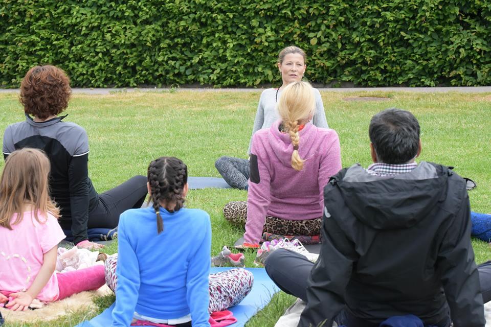 yogaledaren Milla Krook på Yogaeklanda.